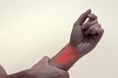 כאב במפרק - יכול להיות כתוצאה מתסמונת התעלה הקרפלית
