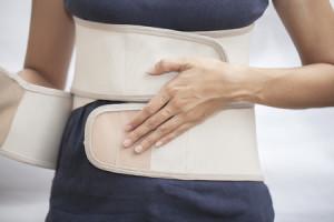 חגורה לתמיכה בשרירי הגב והבטן. עלולה לגרום להתרגלות של הגוף